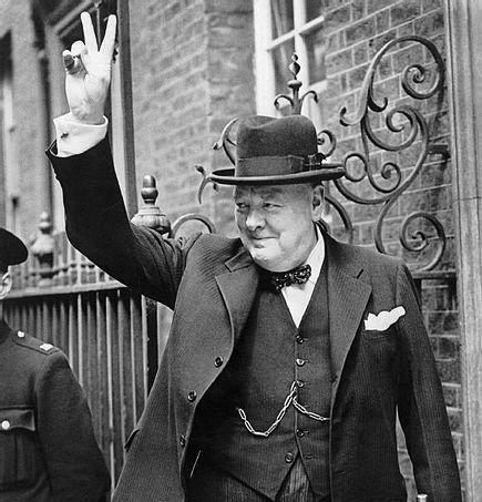 Winston Churchil  with V sign