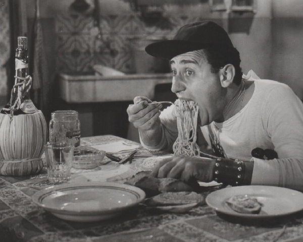 Uomimi con la pancia, dimagrire a tavola