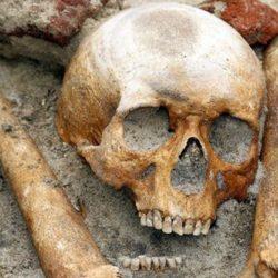 Tombe di vampiri scoperte in Polonia